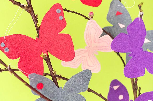Frühlingshafte Schmetterlinge aus Filz
